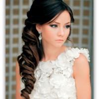 fryzury-ślubne-z-grzywką-15