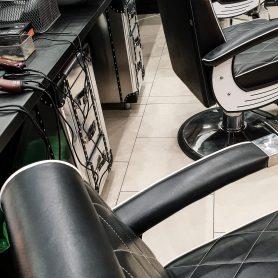 barber-kielce-she-he-3b