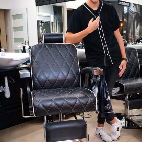 barber-she-he-kielce-kolorowe-4-Barber-Mateusz